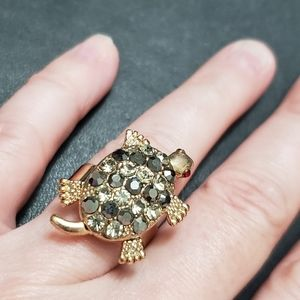 *Sale * Gold tone turtle ring